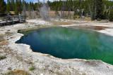 pStryker-yellowstone-lake-springs_0037.jpg