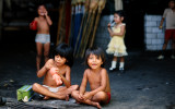 Acapulco, Children playing in the market