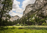 View from the Zumwalt Meadow Trail in Kings Canyon National Park