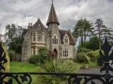 Ashford Graveyard Gatehouse