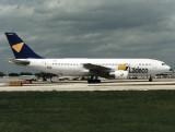 A300B N222KW