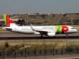 A320 CS-TNS