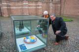 Glaskunst in glazen kubussen