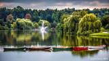 Hoyt_Lake_sunrise_fountain_willow_boats.jpg