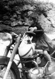 Odile sur Super-Néocide, à Lequeitio, août 1962