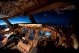 747-8 flightdeck with full moon
