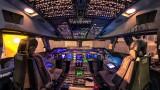 Boeing 747-400 Flightdeck at night