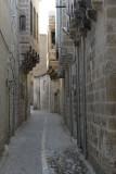 Urfa Walking ancient streets september 2014 3112.jpg