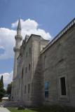 Istanbul Suleymaniye Mosque Garden area 2015 1211.jpg