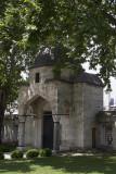 Istanbul Suleymaniye Mosque Garden area 2015 1212.jpg