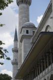 Istanbul Suleymaniye Mosque Garden area 2015 1272.jpg