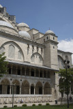 Istanbul Suleymaniye Mosque Garden area 2015 1276.jpg