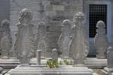 Istanbul Suleymaniye Mosque Graves 2015 1266.jpg