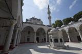 Istanbul Yeni Valide Camii 2015 0824.jpg