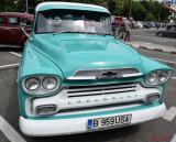 Retro-American-Muscle-Cars-Bucuresti-Chevrolet-Apache.JPG