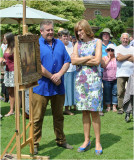 Fiona Bruce admiring a painting