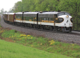 NS 955 eases through the siding at Waddy KY on a moist Sunday afternoon