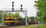 The searchlight signals at Junction City are still standing tall as NS 142 rolls through the interlocker