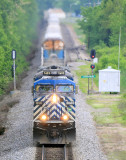 CEFX 1058, A GE C44CW, leads NS 376 by the block at East Harrodsburg