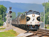 NS 4271 brings 955 by the old and new signals at North Rockwood