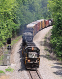 A good ol SD60 brings M-17 up out of the New River valley at Mountain View, TN