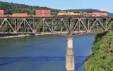 NS 223 crosses the Cumberland River at Burnside with Espee 1996 on the point