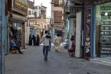 Waiting for customers, Souk al-Alawi