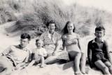 AFB 31 - En famille 1957 Treyamon.jpeg