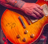Les Paul-signed guitar, played by Devon Allman