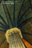 Column / Vaulted ceiling