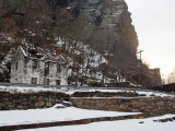Lockhouse and railroad tunnel