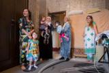 Women holding kids - Dushanbe