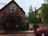 NW corner of Leavitt St & Homer coach house