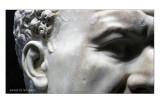 Dettaglio della statua di Tito2
