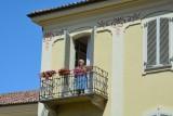 Vrouw op balkon