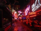 No stay in Bangkok without people watching in Soi Cowboy!