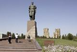 Sakhrisabzba, Timur statue