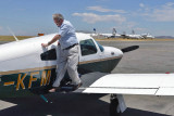 Johannesburg, Heinz checking the plane