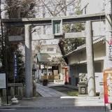 A shrine in Asakusabashi @f4.5 QS1