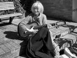 The women with the guitar / Kvinden med guitaren