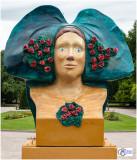 Rose-Marianne, la rosière du Kochersberg, Par JEAN CLAUS - Place de la République