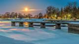 Canal Basin Moonset 20150205
