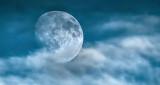 Moon In Clouds DSCF4546