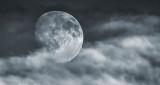 Moon In Clouds DSCF4546v2