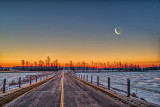 Middle Of The Road Crescent Moon P1020835-9