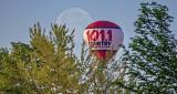 Full Moon & Hot Air Balloon P1060780.805