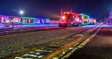 CP Holiday Train 2016 Both (P1150999)