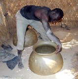 A unique way of making pottery in Bosemyan, Burkina Faso, region Centre-Sud, Province Bazéga (5 photos)
