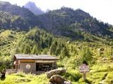 Châlet d'accueil de la Réserve des Aiguilles RougesInformation cabin at the Col des Montets