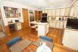 kitchen 6039.jpg